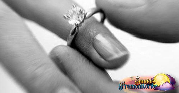 soñar con anillos