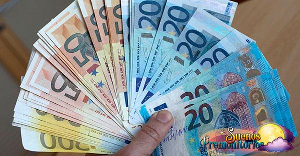 soñando con muchos billetes