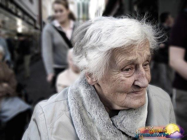 senora mayor enferma