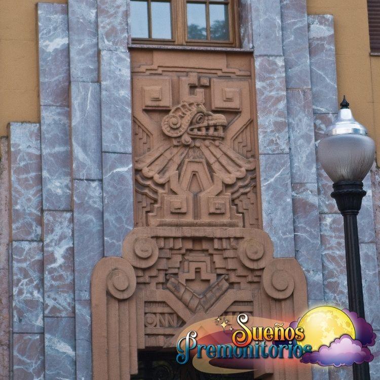 Serpiente azteca Coatl de la buena suerte